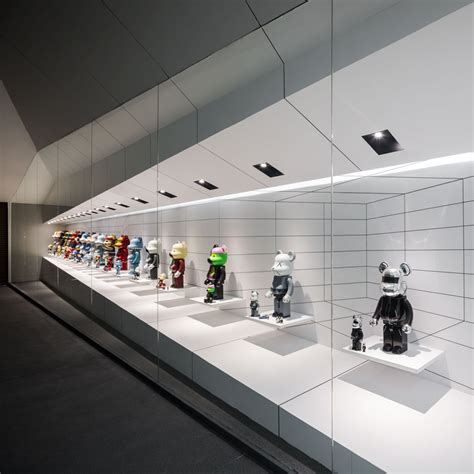 onion fills bear garage with illusory cabinet of toy figurines