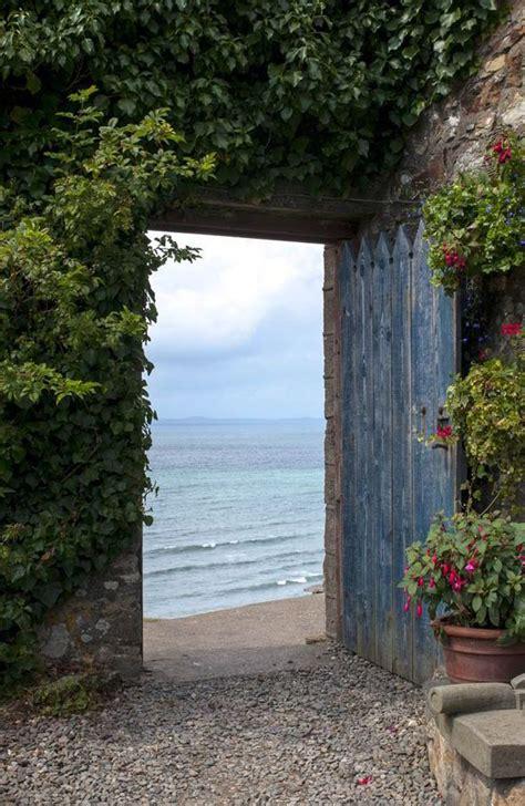 seaside garden ideas 25 best ideas about coastal gardens on