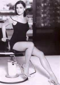 Resume Yoga Instructor by Day Of The Woman Woman Of The Week Neve Campbell