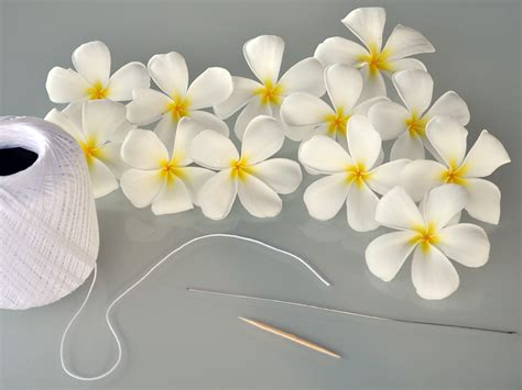 How To Make Paper Flower Leis - hawaiian flower how to make a hawaiian