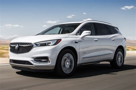 new buick 2018 enclave 2018 buick enclave avenir test luxury all around