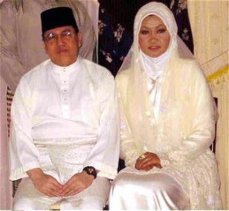 sultan kelantan kahwin pemuda besut 2010 02 21