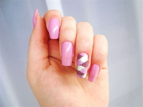 current popular fingernail laquers comparing nail polishes avalon school of cosmetology