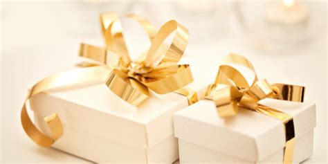 Wedding Gift Ideas Has Everything by 22 Wedding Gift Ideas For The Who Has Everything