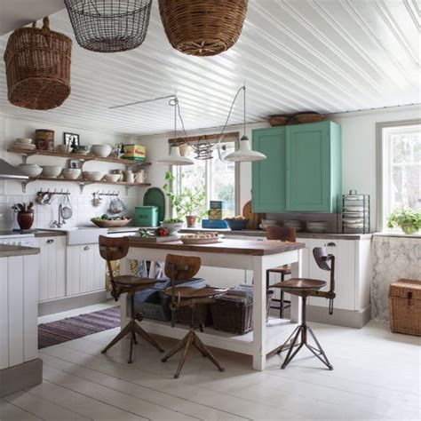 shabby chic country kitchen design for creative renovators - Country Chic Kitchens