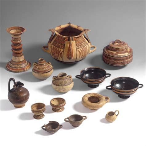 valore vasi etruschi identificazione degli enotri