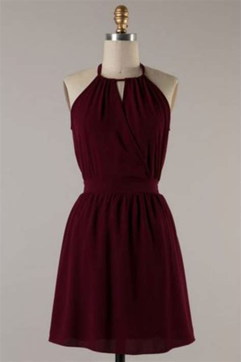 25  best ideas about Maroon dress on Pinterest   Wedding