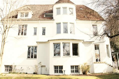 holländisches haus wohnen mit kunst zuhause bei kathrin knape in hannover