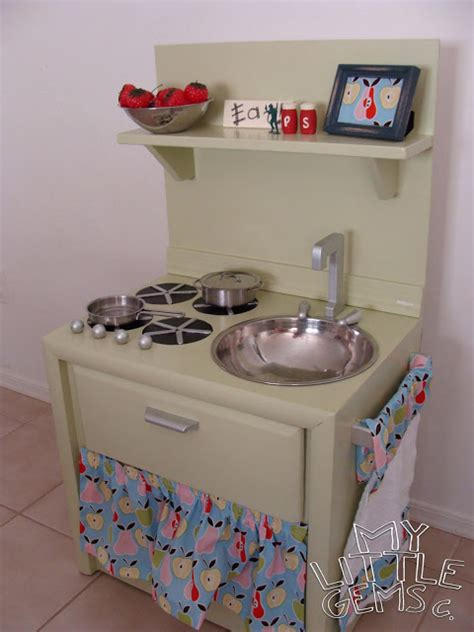 diy play kitchen for kid from old nightstand furniture trash to treasure re purposing hacks page 19 of 31
