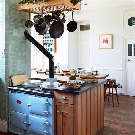 country kitchen with range cooker housetohome co uk 7 things you need for a shabby chic kitchen ideal home