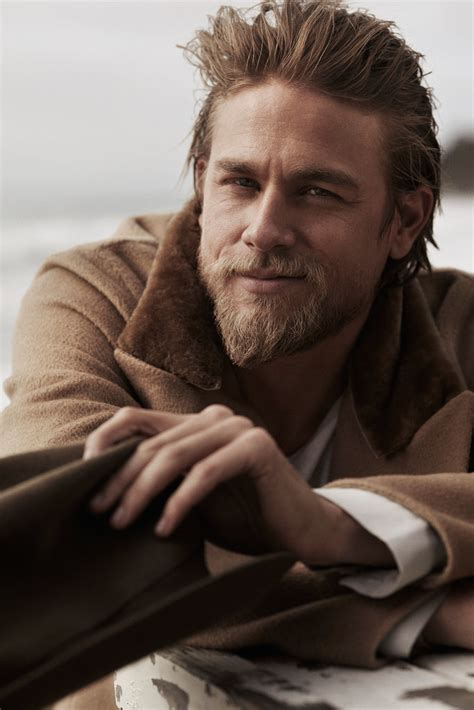 what is the name of charlie hunnam s haircut 17 sexy charlie hunnam smirks that might seriously make