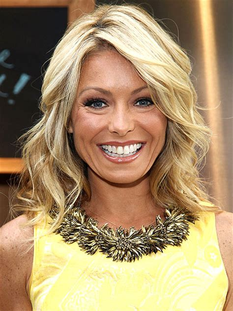 how do i curl my hair like kelly ripa 10 best celeb quotes this week people com