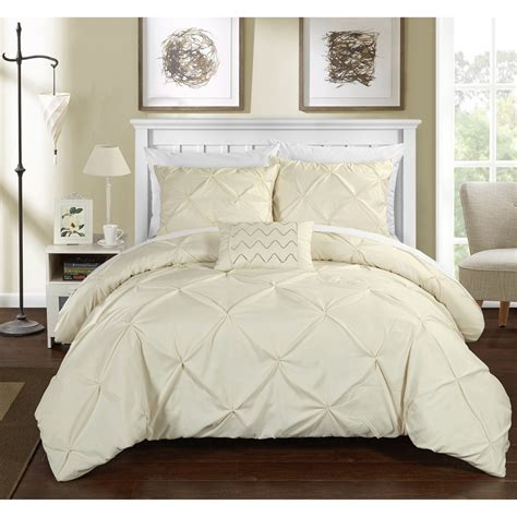 whats a down comforter stunning whats a duvet layout home gallery image and