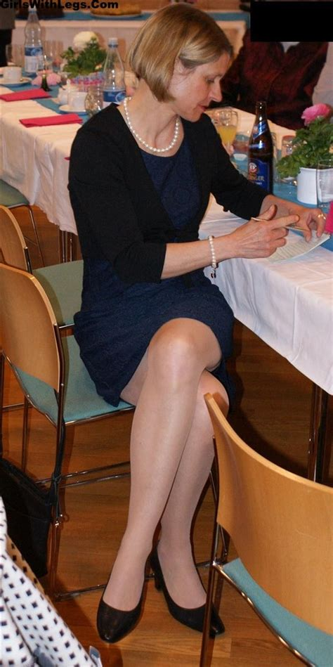 Candid Mature Lady With Legs Crossed Wearing Pantyhose And Heels Candid Pantyhose Pinterest