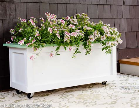 Diy Wooden Planter On Wheels Planters On Wheels