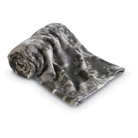 camo bath towels digital camo 6 pc towel set 134784 bath at sportsman s guide