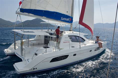 trimaran vs catamaran vs monohull sunsail 444 4 cabin catamaran yacht sunsail