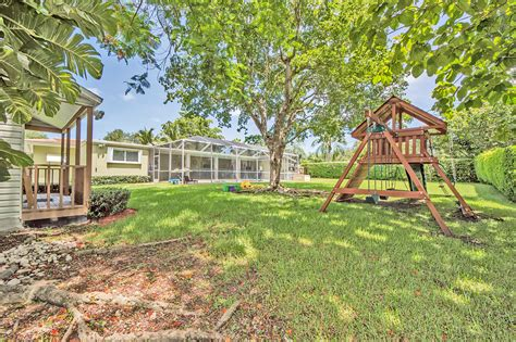 backyard realty group the levy group ewm realty international 22 14740 sw 80 ave