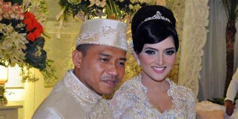 Wedding Organizer Pasuruan by Dekorasi Resepsi Pernikahan Anang Ashanty Dikerjakan 12