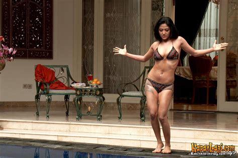 film hantu adegan hot foto hot terbaru dewi perssik terlihat anunya untuk 18