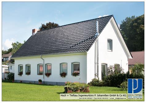 schwedisches haus bauen billig haus bauen dach bauen mit leimholz carprola for