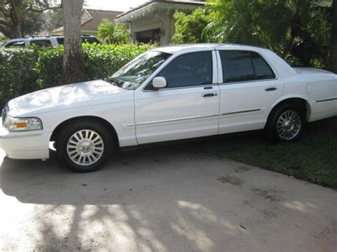 purchase used 2006 mercury grand marquis ls leather clean carfax priced to sell fast in fort