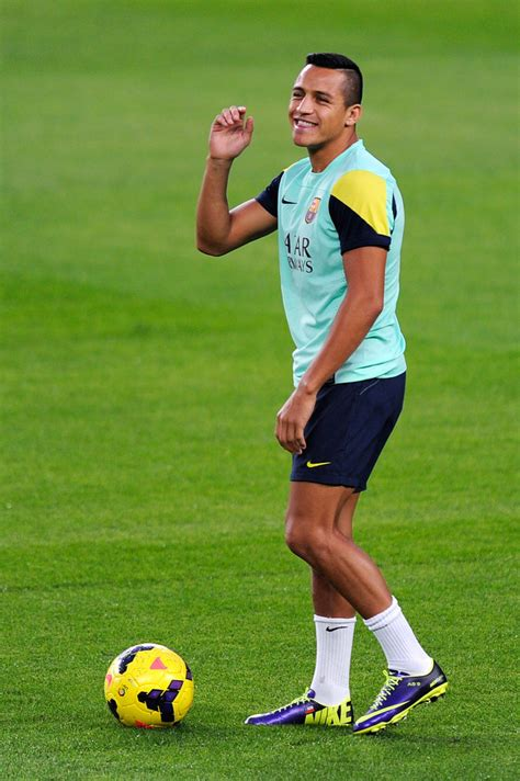 alexis sanchez in barcelona fc barcelona training session pictures zimbio