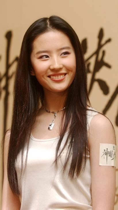 chinese actress audition the chinese actress cast as disney s mulan liu yifei is