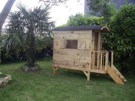 cabanne jardin enfant une cabane roulotte en bois de palette une autre vie pour