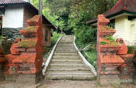 10 tempat wisata di cirebon yang wajib dikunjungi tempat wisata di cirebon yang wajib dikunjungi