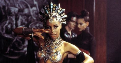 film queen of the damned aaliyah queen of the damned photos posthumous movie