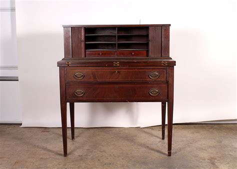 maddox tables desk early 20th century maddox tables mahogany writing desk ebth