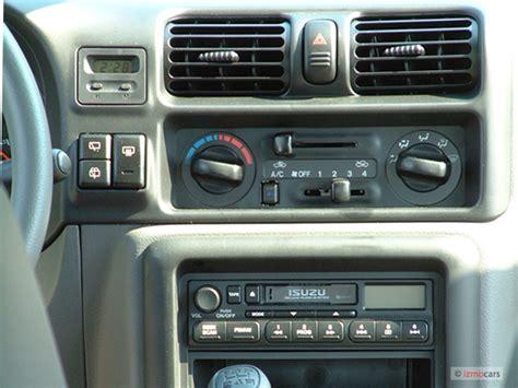 image 2004 isuzu rodeo 4 door s 3 5l auto instrument panel size 640 x 480 type gif posted