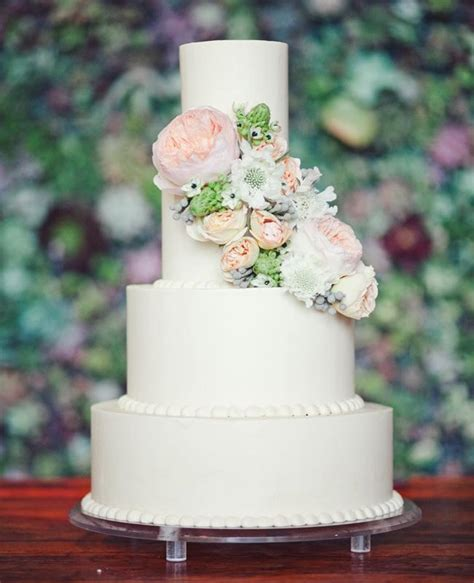 Fresh Flower Wedding Cake by Feast Your On These 15 Fresh Flower Wedding Cakes
