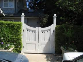 gate designs wood driveway gate designs