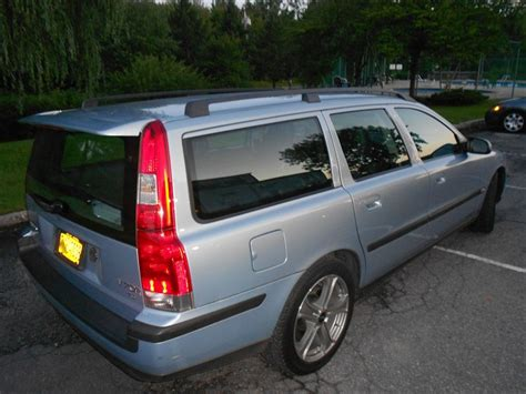 volvo v70 weight newbeing 2001 volvo v70t5 wagon 4d specs photos