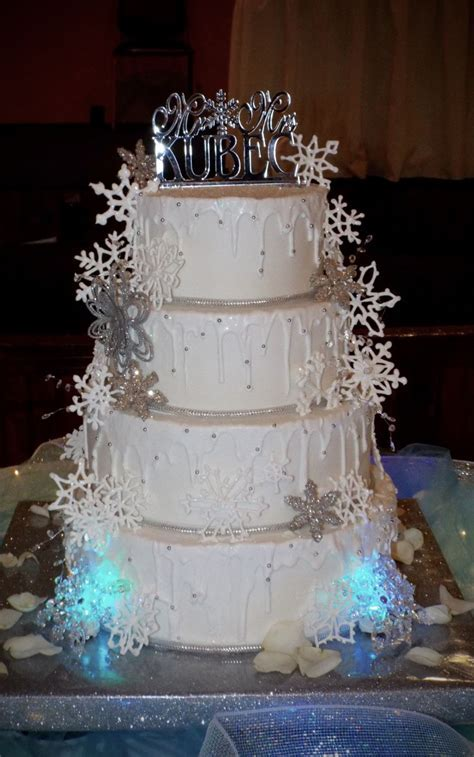 Royal Icing Snowflake Cake   CakeCentral.com
