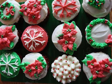 how to decorate your christmas cupcakes by seasonal