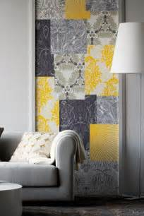 a yellow wallpaper in the bedroom or living room looks
