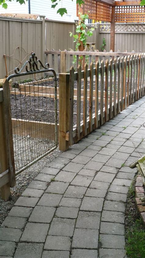 Garden Fence Ideas For Dogs 1000 Images About See Through Fence On Fence Garden Fences And Fencing