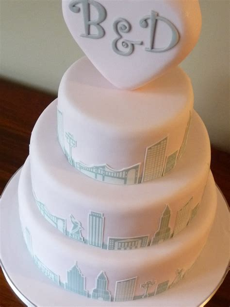 wedding cake toppers new york city new york themed wedding cake with shaped topper