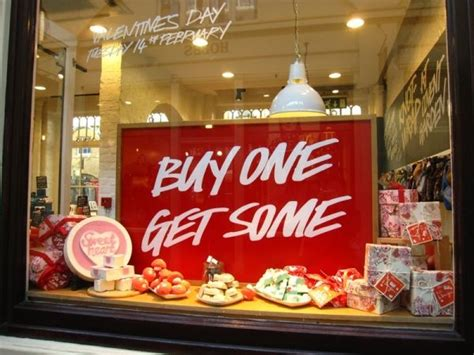 valentines store 1000 images about s window displays on