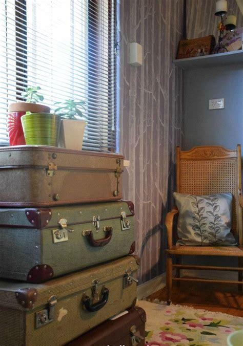 como decorar mi cuarto tipo vintage decorar con maletas antiguas de estilo vintage