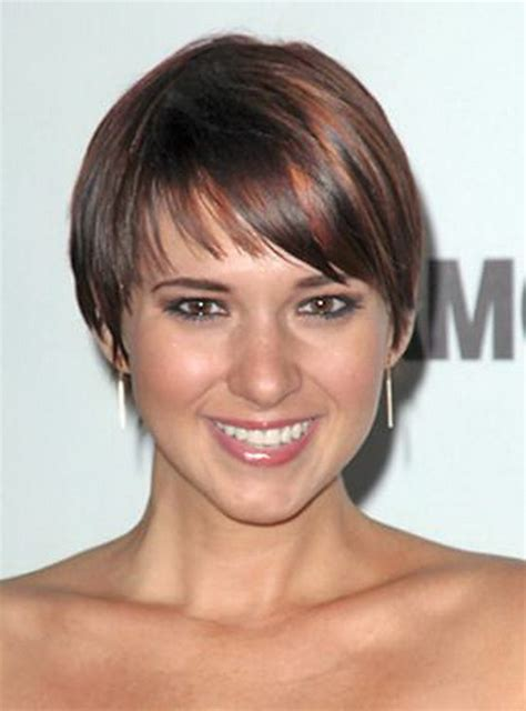 chopped wedge bob hair short wedge haircut