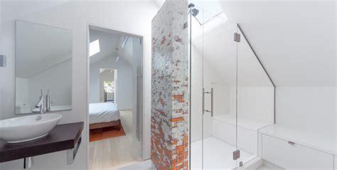 bagno sottotetto 7 bagni con doccia nel sottotetto mansarda it