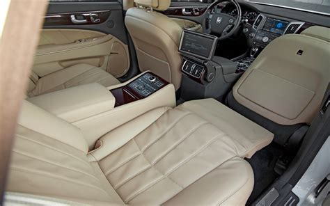 Hyundai With Reclining Seats by Hyundai Equus News Rmr Hyundai Signature Edition Revealed Page 10 Page 13 Acurazine