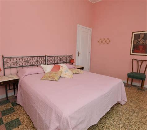 Pareti Rosa Antico by Le Camere Il Gelsomino