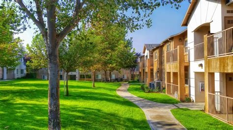 1 bedroom apartments in bakersfield ca belcourt apartment homes rentals bakersfield ca