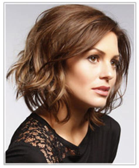 medium length easy wash and wear hairstyles short hairstyle for wavy hair hairstyles thehairstyler com