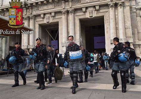 ufficio immigrazione presso ufficio stranieri polizia torino blitz a centrale polizia portati in questura 52